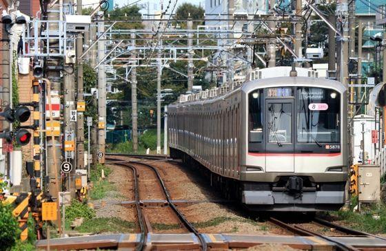 神庭緑地 電車